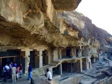 Certaines grottes ne sont pas terminées, probablement parce que l'argent a cessé d'affluer et que les travaux ont dû être arrêtés, Ellora, Inde