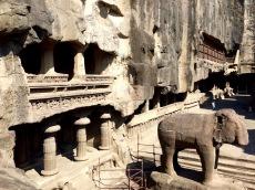 Les grottes d'Ellora, sculptées à même la pierre, Inde.