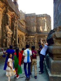 Les gigantesques sculptures taillées à même le roc, Ellora, Inde