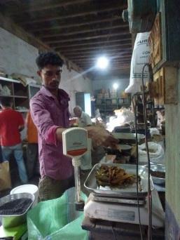 Mesure du masala à Kochi