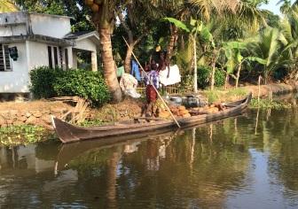 Transport sur les backwaters Kumarakom