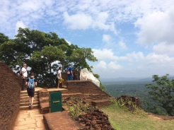 Évacuation à Sigiriya