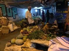 Marché en soirée, Madurai