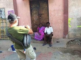Séance de photos dans une ruelle de Madurai
