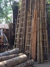 Madurai, fabrique d'échelles de bambou