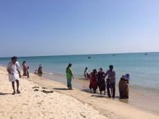Baigneurs près du village de Moonram