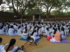 Méditation comme les moines à Vessagiriya