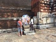Prières à Bouddha, Anuradhapura