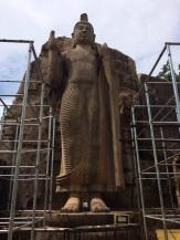 À Aukana un des plus grands Bouddha debout du monde