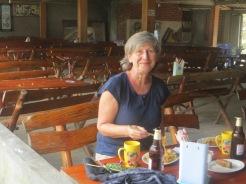 Repas du midi ã Lao Chai.