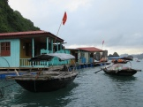 Village de pêcheurs, Baie d'Along