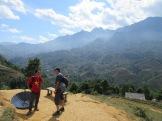 Discussion devant la montagne, Sapa