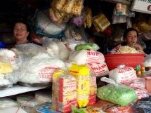 Pâtes de riz, marché de Vinh Long, Vietnam