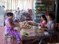 Emballage de confiseries, région de An Binh, Vietnam
