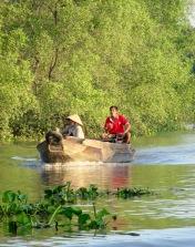 Le bateau comme moyen de transport, région de An Binh