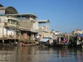 Bord de l'eau à Cái Be, Vietnam