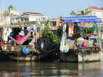 Vie sur les bateaux, Cái Be, Vietnam