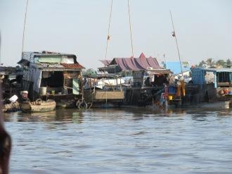 Marché flottant de Cái Be, Vietnam