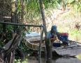 Réparation d'un moteur, région de An Binh, Vietnam