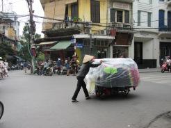 Marchande dans le quartier des 36 Corporations, Hanoï