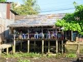 Petit-déjeuner au bord de l'eau Cái Be, Vietnam