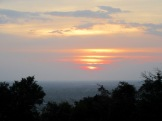 Le soleil se couche sur Angor, vue à partir de Phnom Bakhèng, Cambodge