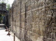 Des bas-reliefs illustrant des batailles illustres, des scènes de la vie des Khmer, le Bayon, Angkor, Cambodge