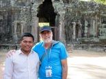 À l'entrée de Angkor Thom avec notre chauffeur de tuk tuk monsieur Kong