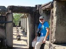 Mon amoureux au sommet du Baphuon, il n'a pas le vertige et la vue est à couper le souffle, Angkor, Cambodge