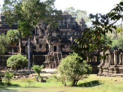 L'imposant Baphuon, Angkor, Cambodge