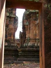Bantaey Srei sous le chaud soleil d'Angkor, Cambodge
