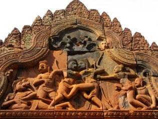 Détail d'un linteau, Bantaey Srei, Angkor, Cambodge