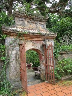 Entrée d'une pagode sur Thuy Son une des montagnes de marbre, Da Nang
