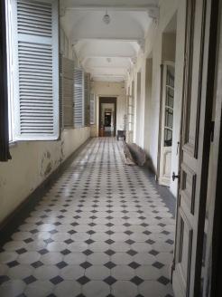 Couloir du musée de la ville de Ho Chi Minh ancienne résidence du gouverneur de Cochinchine