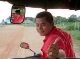 Notre chauffeur de tuk tuk et notre guide pour la journée passée à. Kep, Cambodge