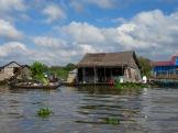 Vie quotidienne dans un village flottant, Tonlé Sap, Cambodge