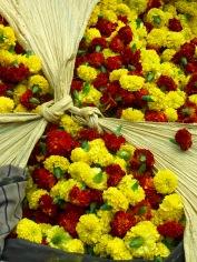 Arrivage au marché aux fleurs, Kolkata, Inde