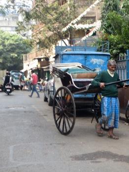 Photo de Robert: un homme devant son rickshaw, Kolkata, Inde