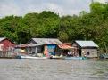 Un village flottant sur le Tonlé Sap, Cambodge