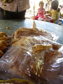Bananes séchées de façon artisanale, Battambang, Cambodge