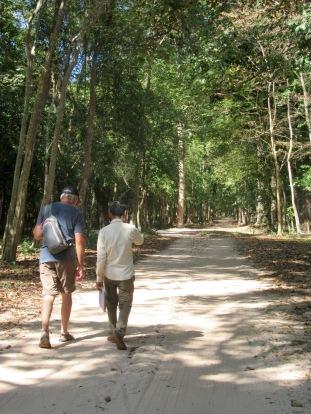 Sambor Pre Kuk ou le plaisir de découvrir des temples cachés dans la forêt, Cambodge