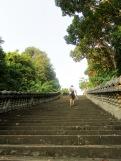 La montée est longue vers le temple dans la montagne mais la visite vaut la peine, Kep, Cambodge