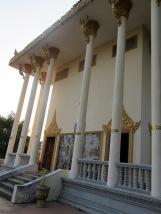Un temple dans la montagne à Kep, Cambodge