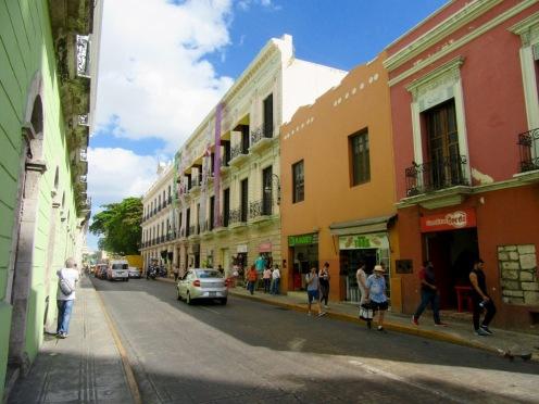Rue qui mène au Gran Hotel, Mérida, Yucatán, Mexique.