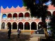 L'office municipal du tourisme où ont lieu des danses traditionnelles, tous les soirs. Mérida, Yucatán, Mexique.