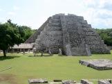 Le Castillo., la pyramide centrale de Mayapan, est une version plus petite de celle de Chichen Itza, Yucatán, Mexique.