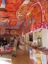 La boutique à l'entrée de la Biblioteca Pública sur Insurgentes offre des livres et des souvenirs. San Miguel de Allende, Guanajuato, Mexique.
