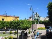 La plaza Allende, un bel endroit pour se reposer ou attendre le bus qui passe tout près. San Miguel de Allende, Guanajuato, Mexique.
