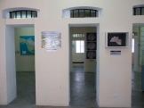 L'intérieur du Musée du Belize conserve des traces des cellules de cette ancienne prison. Nous apercevons ici les ouvertures qui donnaient accès à chacune d'elles, il est facile d'en imaginer la grandeur. Belize District, Belize.