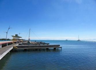 Un grand quai accueille les visiteurs venus de la mer. Placencia, Stann Creek District, Belize.